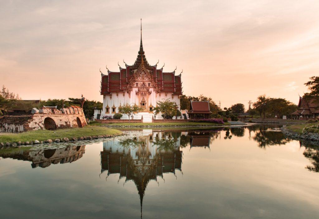 Ancient-Siam-Bangkok-Dusit-Maha-Prasat-Palace
