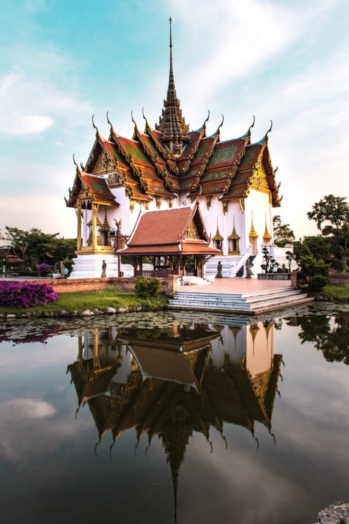 Muang-Borang- Bangkok- Dusit-Maha-Prasat-Palace