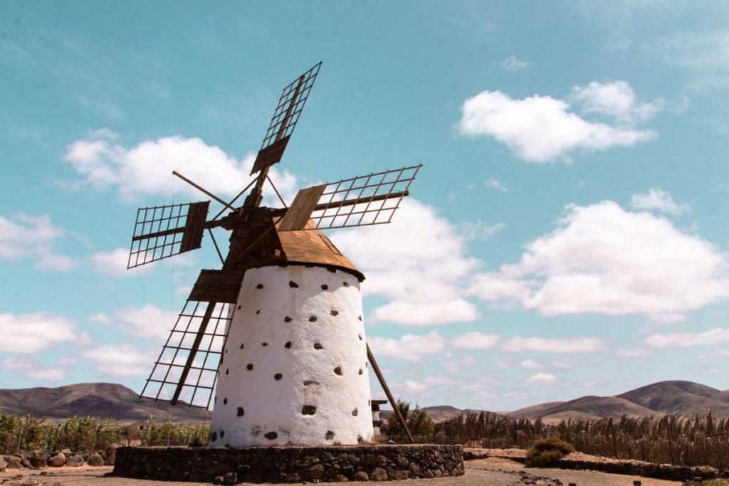 Cosa-vedere-a-Fuerteventura-mulino-a-vento