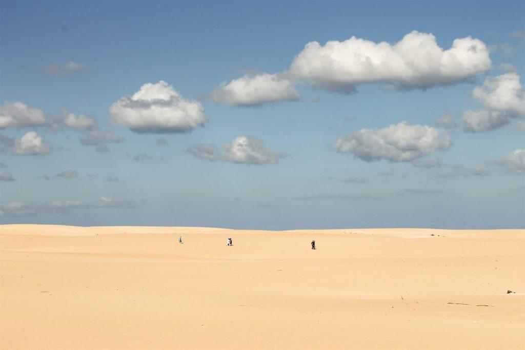 Dune-di-Corralejo-passeggiata-tra-le-dune