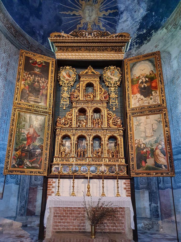 abbazia-di-staffarda-altare