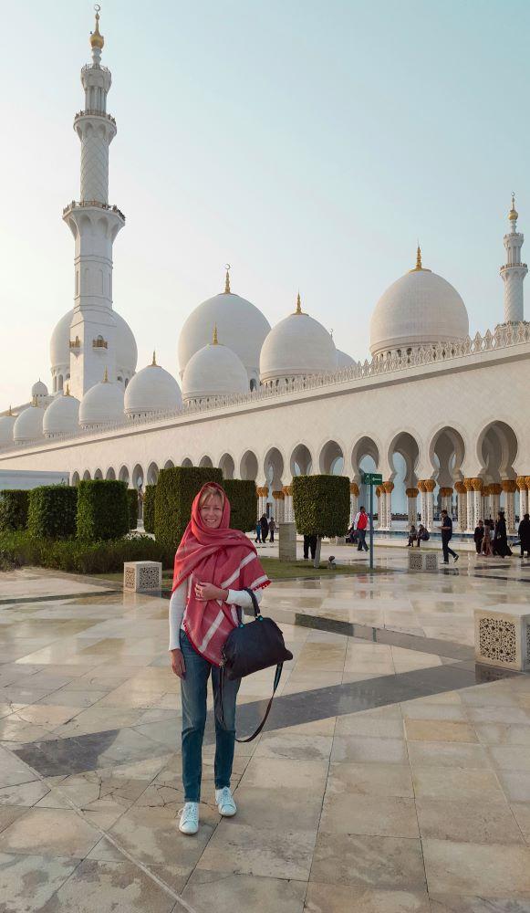grande-moschea-abu-dhabi-abbigliamento