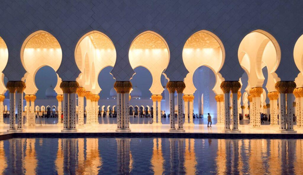 grande-moschea-abu-dhabi-sera