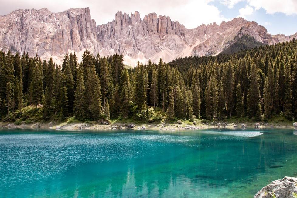 carezza-lago-dell-arcobaleno