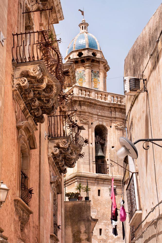 Ragusa-campanile-chiesa-santa-maria-dell-itria