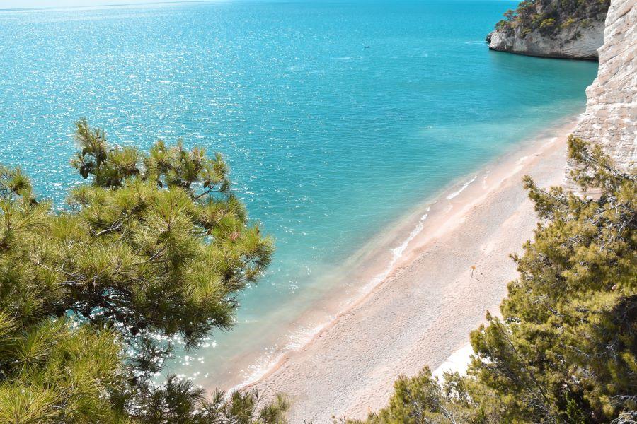spiaggia-baia-dei-mergoli