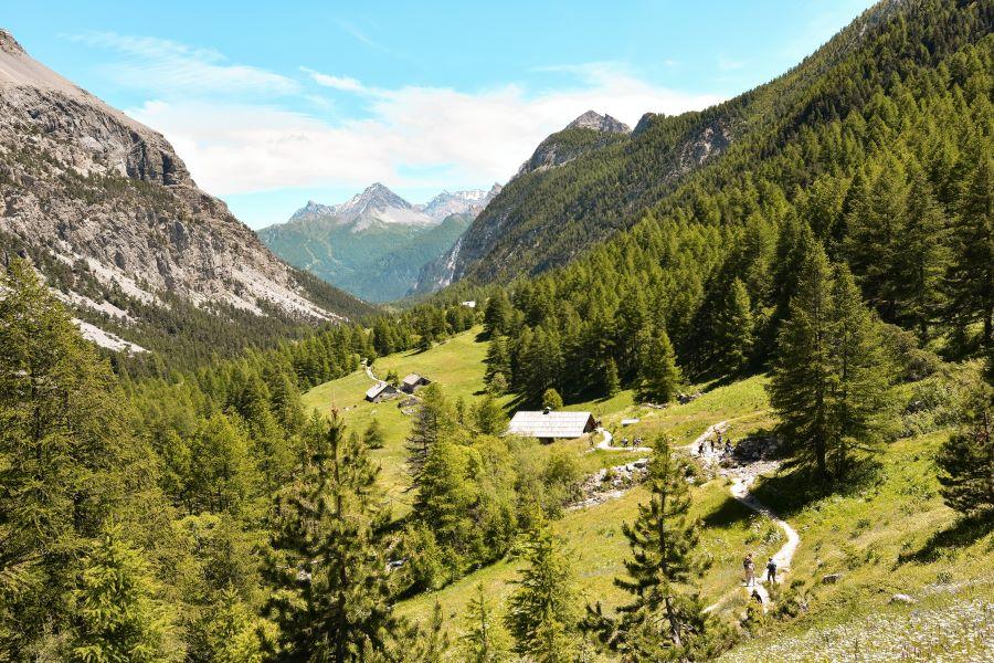 valle-stretta-sentiero-lago-verde