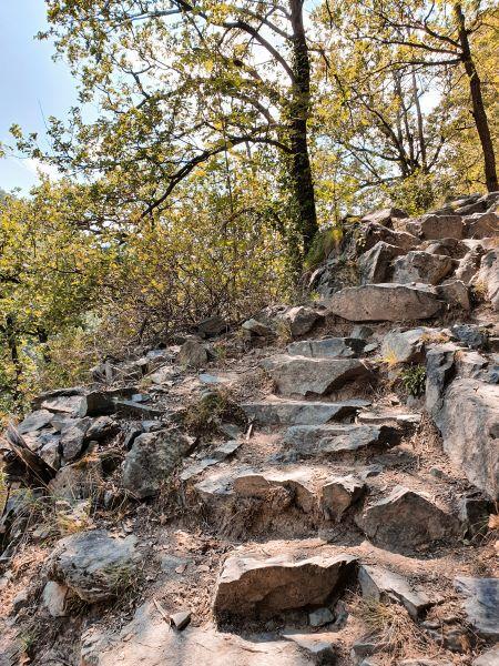 cascata-di-isollaz-sentiero
